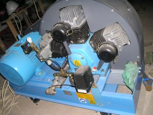 Ahli-Pemasangan-Gas-Medis-Rumah-Sakit-Mesin-Kompresor