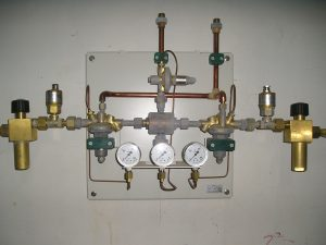 Kontraktor-Gas-Medis-Rumah-Sakit-Kontrol-Valve-Sentral-Gas-Medis