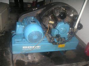 Gas-Medis-Rumah-Sakit-Mesin-Kompressor