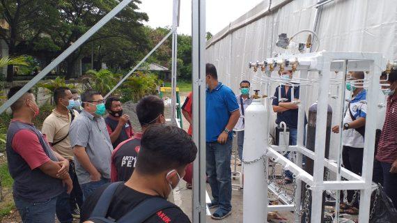 Ahli Instalasi Gas Medis Rumah Sakit Darurat COVID di Kubu Raya Kalimantan Barat